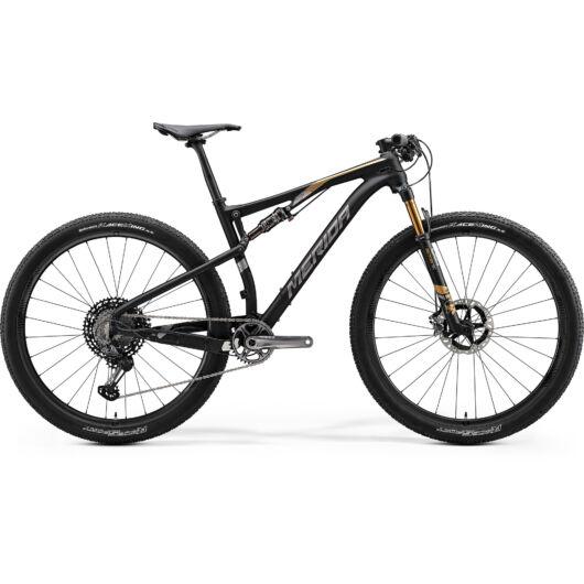 "33669-20 Merida NINETY-SIX 9.9000 férfi Mountain bike 29"" 2020 matt metál fekete(arany)"