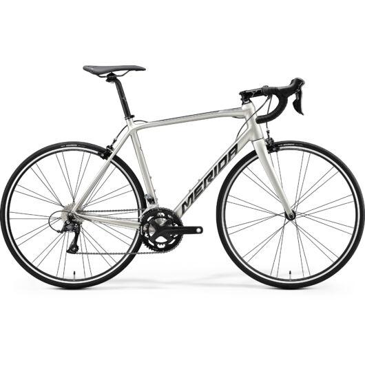 """18112-20 Merida SCULTURA 200 28"""" férfi országúti kerékpár 2020 selyem titán(fekete)"""