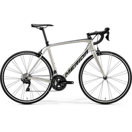 """17876-20 Merida SCULTURA 4000 28"""" férfi országúti kerékpár 2020 selyem titán/fekete"""