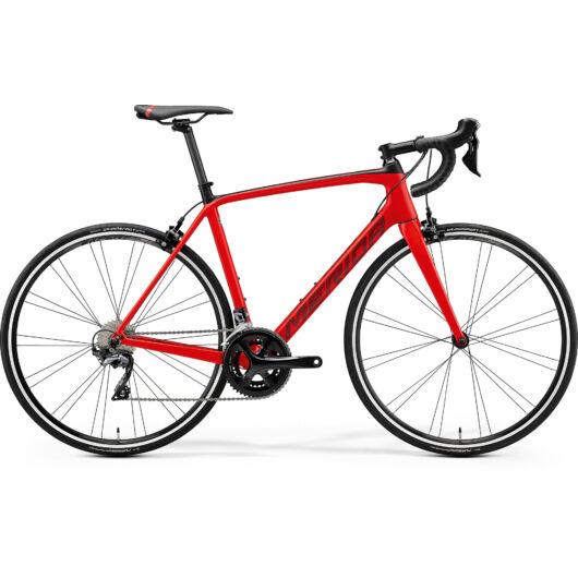 """18930-20 Merida SCULTURA 5000 28"""" férfi országúti kerékpár 2020 selyem vörös/fekete"""